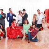 Luján junto a los concursantes de '¿Quién quiere casarse con mi hijo?'