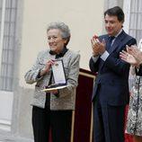 Amparo Baró recibe una Medalla de Oro al Mérito en las Bellas Artes