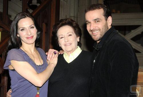 Amparo Baró junto a Luis Merlo y Natalia Millán