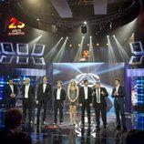 Anna Simón junto a los presentadores masculinos de Antena 3