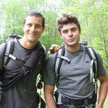 Bear Grylls junto a Zac Efron