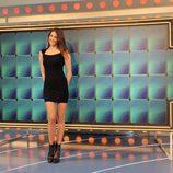Laura Moure delante del panel de 'La ruleta de la suerte'