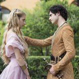 Myrcella Baratheon y Trystane Martell en 'Juego de Tronos'