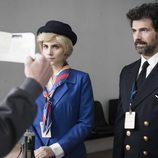 Amelia y Julian en el quinto episodio de 'El ministerio del tiempo'