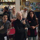 Parte del reparto de 'Aquí Paz y después Gloria' en el primer episodio de la serie