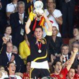 Íker Casillas levanta la Copa de Campeones de Europa