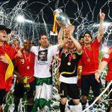 La Roja celebra la victoria ante Europa