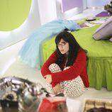 La actriz America Ferrera en pijama en 'Ugly Betty'