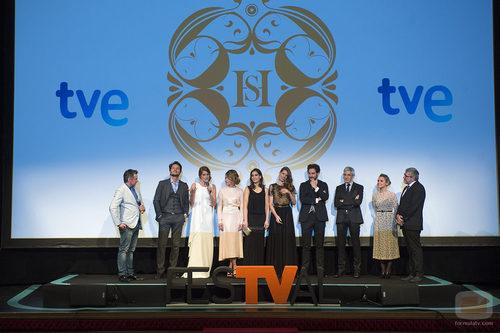 Equipo de 'Seis hermanas' en el Teatro Romea