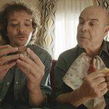 El Morfi y Paco en el segundo episodio de 'Aquí Paz y después Gloria'