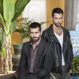 Ruben Cortada y Jesus Castro posan para la segunda temporada de 'El Príncipe'