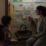 Laura junto a Pablo en el primer episodio de 'Bajo sospecha'