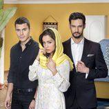 Alex González, Hiba Abouk y Stany Coppet en una imagen promocional de la segunda temporada de 'El Príncipe'
