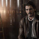 El agente Víctor en el tercer episodio de 'Bajo sospecha'
