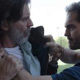 Andrés y Roberto Vega discuten en el tercer episodio de 'Bajo sospecha'