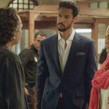 Khaled y Fátima junto a Fran en el segundo capítulo de la segunda temporada de 'El Príncipe'