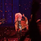 """Rebecca Naomi Jones  en """"Hedwig And The Angry Inch"""""""