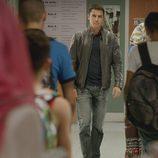 Morey se acerca a Fátima en el cuarto capítulo de la segunda temporada de 'El príncipe'