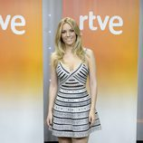 Edurne posa en la rueda de prensa previa a su viaje a Eurovisión