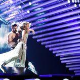 Giuseppe di Bella hace volar a Edurne durante el primer ensayo del 'Festival de Eurovisión 2015'