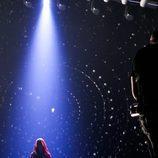 Edurne, con una capucha en el primer ensayo del 'Festival de Eurovisión 2015'