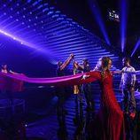 Edurne, con el vestido rojo extendido en el primer ensayo del 'Festival de Eurovisión 2015'