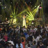 Edurne cantando en el Euroclub en la Welcome Party en Viena