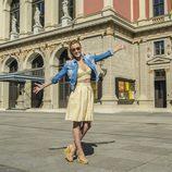 Edurne posa en la Orquesta Filarmónica de Viena durante su visita a la ciudad de Viena