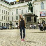 Edurne pasea por Josefsplatz en Viena en Eurovisión 2015