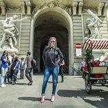 Edurne posa frente al Hofburg de Viena durante Eurovisión 2015