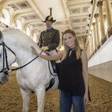 Edurne con los caballos de Viena en Eurovisión 2015