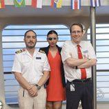 Alfonso Lara, Miren Ibarguren y Joaquín Reyes en 'Anclados'