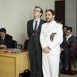 Joaquín Reyes y Alfonso Lara en el primer capítulo de la primera temporada de 'Anclados'