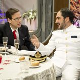 Alfonso Lara y Joaquín Reyes hablan en el primer capítulo de 'Anclados'