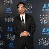 El actor Al Madrigal en los Critics' Choice Awards 2015