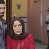 Faruq y su madre en el octavo capítulo de la segunda temporada de 'El Príncipe'