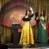 Teresa cantando en el segundo capítulo de 'Anclados'