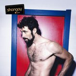 David Amor muestra músculo en la revista Shangay