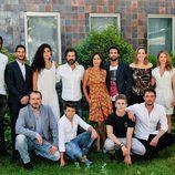 Foto de familia del elenco de 'Mar de plástico'