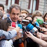 José Luis Rodríguez Zapatero acude al funeral de Pedro Zerolo