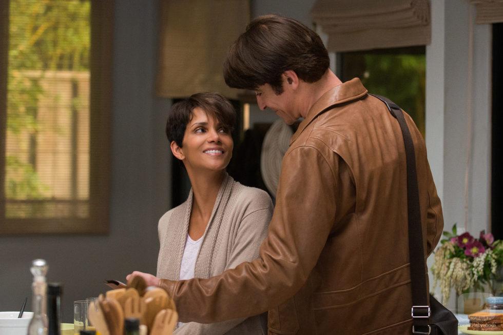 John y Molly Woods mantendrán su relación después de un año en 'Extant'