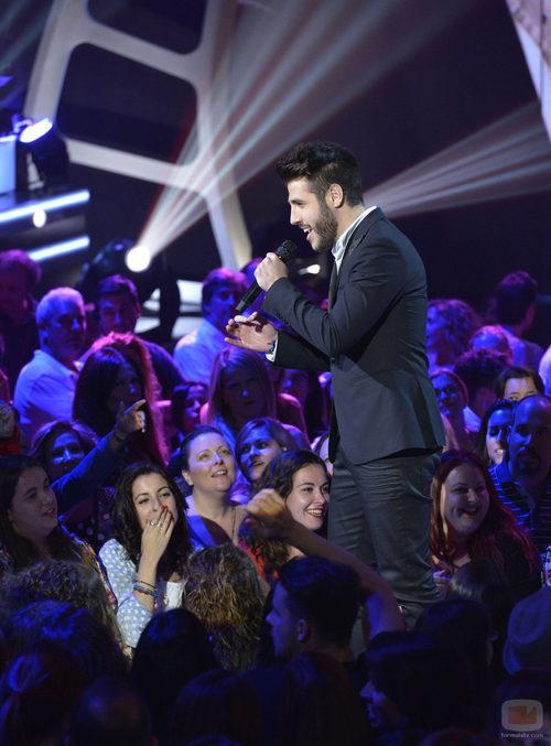 Antonio José enamora al público en la final de 'La voz 3'