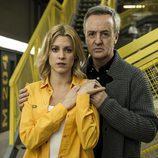 Macarena (Maggie Civantos) y Leopoldo Ferreiro (Carlos Hipólito) en 'Vis a vis'