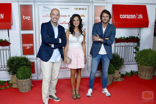 Paula Prendes junto a los chefs de 'Cocineros al volante' en el especial 5.000 programas de 'Corazón'