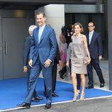Felipe y Letizia en Mediaset España con motivo de su 25 aniversario