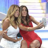 Isa Pantoja y Suhaila y su selfie en la final de 'Supervivientes 2015'
