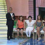 María José, Mari Carmen, Miriam y Yasmina con la Jordi González en plató