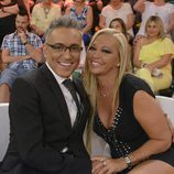 Belén Esteban y Kiko Hernandez sonríen en 'Sálvame deluxe'