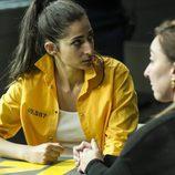 La familia de Saray no aceptan que sea lesbiana en el quinto capítulo de 'Vis a vis'