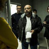 El inspector Castillo con Fabio y Miranda en el cuarto capítulo de 'Vis a Vis'